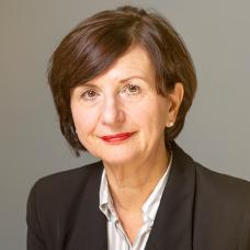 Frau Angela Koch